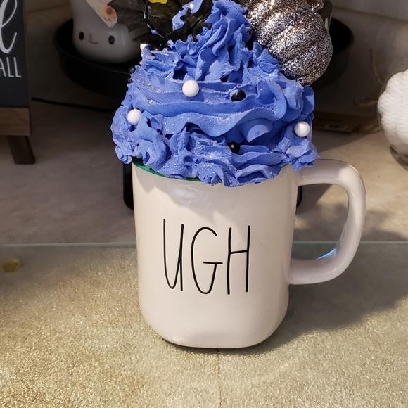 Faux whipped mug topper